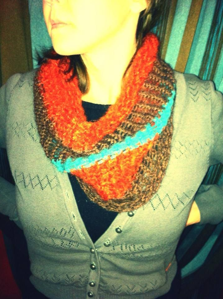 Neck warmer in natural colours!