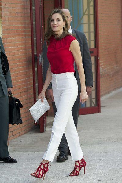 Top:Caroline Herrera Shoes:Magrit Clutch:Uterque