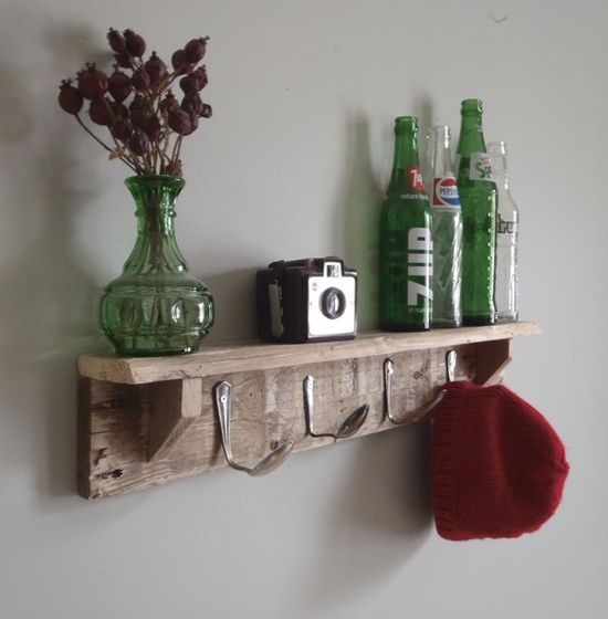 Yes, those are spoons as hat hooks. You can sprint to your craft room and make this now.