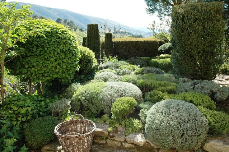 """Le jardin de la Louve (""""The garden of the female Wolf"""") in Bonnieux was built by Nicole de Vesian, textile designer for Hermès."""