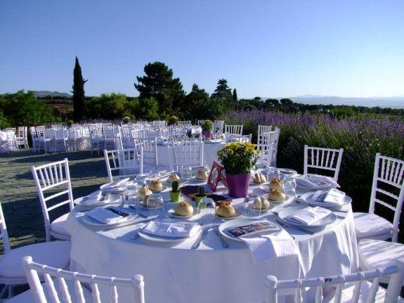 El Cortijo de Balzaín es un lugar muy especial para sorprender a tus invitados con un evento diferente y exclusivo. Celebra tu boda en un ambiente único, natural y con un esmerado servicio. Situado en el Parque Nacional de Sierra Nevada con magníficas vistas a Granada y a las cumbres de Sierra Nevada.