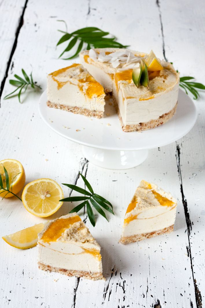 Raw Coconut Mango Cheesecake. Not in English.... Will have to try and get it translated because this looks so good!