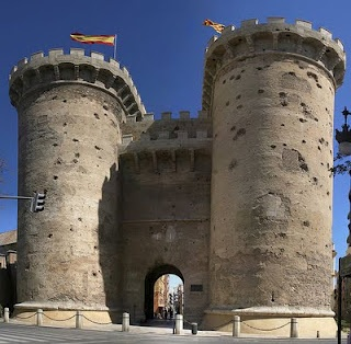 Torres de Quart: This gateway was built by Pere Bofill in the 1 5th century providing access to the city from the west.