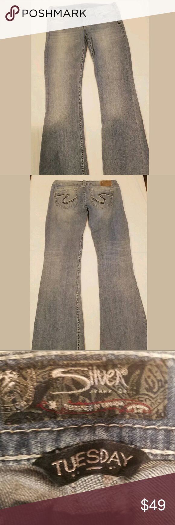 Silver Jeans Tuesday 29 X 33 Indigo Denim Silver Jeans Tuesday 29 X 33 Women's Indigo Denim  Gently used no rips or stains  smoke free pet free home ships next day silver Jeans Boot Cut
