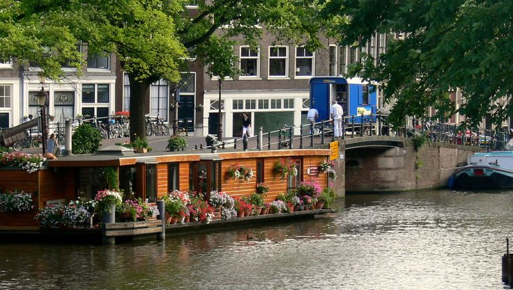 Houseboat in amsterdam houseboat trips dream board for Amsterdam casa vacanza