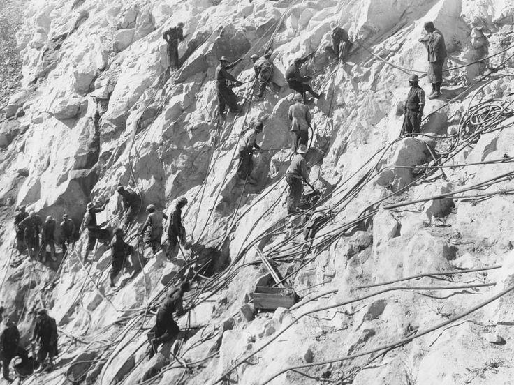 Scavo di inerte per la Diga di Morasco (cava del Furkulti)