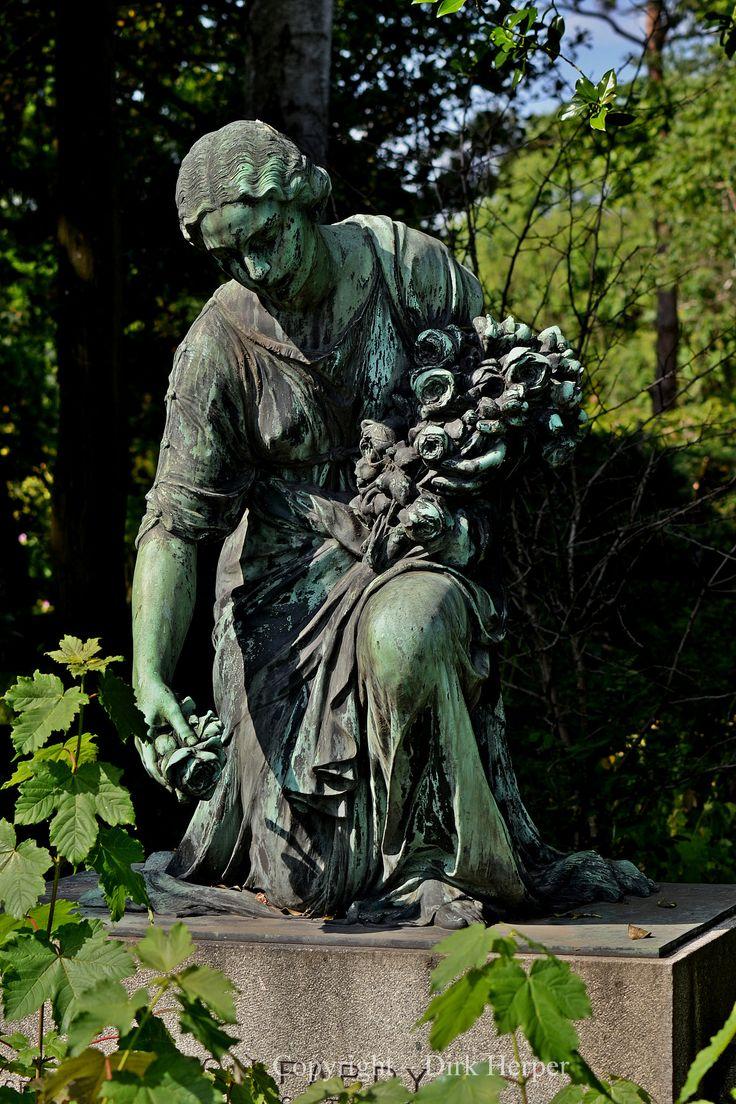 https://flic.kr/p/ueoGVw | Nordfriedhof - Düsseldorf - Unterrath - 11.06.2015