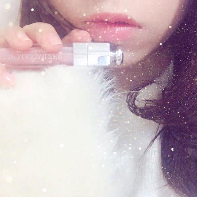 . . ディオールのマキシマイザーはくちびるスースーして、縦ジワ消えて、ぷるぷるなってめっちゃ優秀💡 . 今日は大好きで大好きで大好きなお友達に会えるんだ〜!2ヶ月ぶりに。好きなアイドルのイベントがあって東京に来るらしい。わたしはついで😝ついでだけど楽しみすぎて朝からわくわくしてる💕💕 . #lips #dior #maximizer #ディオール #マキシマイザー #makeup #コスメ #メイク #ネイル は #addiction の #ポリッシュ #セルフネイル だよ