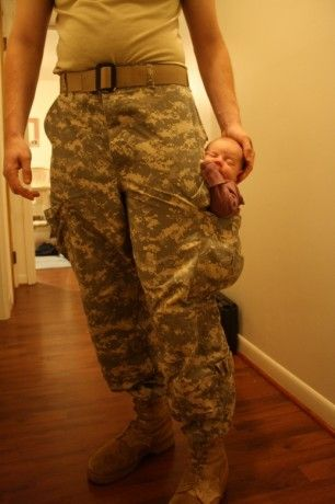 A baby in a pocket.Births Without Fear, Pockets They, Huge Pocket, Kids, Army Baby, Pocket Full, Baby Fit, Pocket Baby