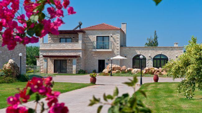 Platanias Villas, 2-bedroom 3-bedroom and 4-bedroom villas, 800 meters from the sandy beach of Platanias, Chania