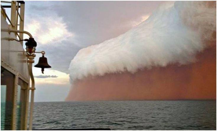 desert storm in Australia