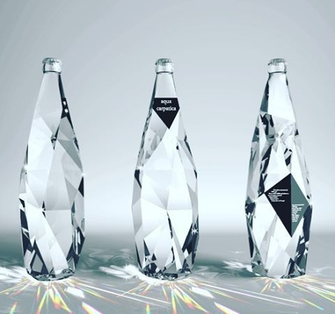 Exquisite bottle design by Cristiano Giuggioli! Thanks @designwanted #packaging #package #bottle #waterbottle #hydrate #fit #healthy #purewater #productdesign #productdesigner #instadesign #instadesigner #instalove #designlovers #designporn #designstudio #retail #h2o #diamond #bottledesign #refreshing #drenched #clear #glass #art #artistic #instaart #drink #sporty