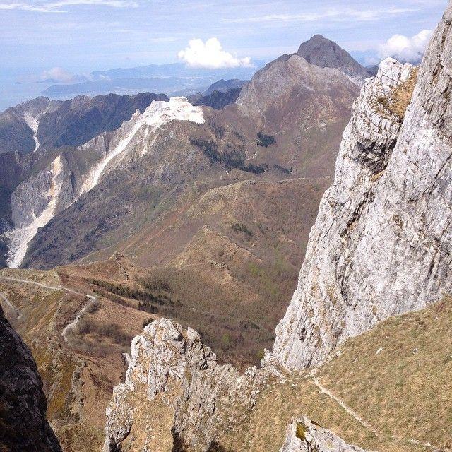 """Corchia """"sottosopra"""". Con vadoevedo fuori e dentro la montagna. La risalita dal Canale del Pirosetto"""