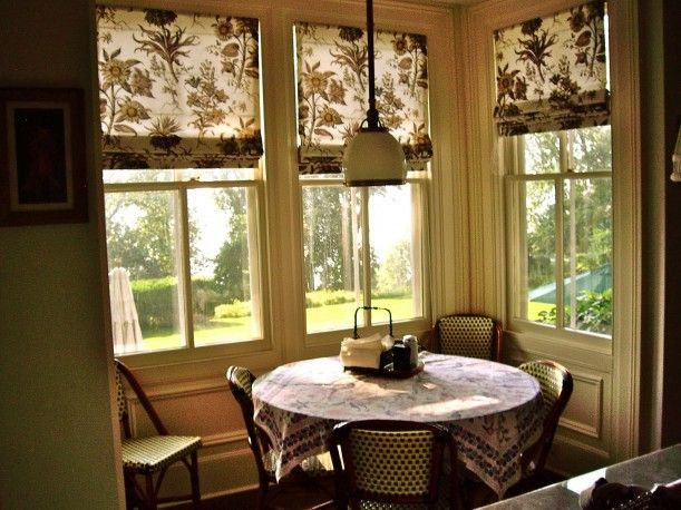 I want a breakfast nook with tons of windows