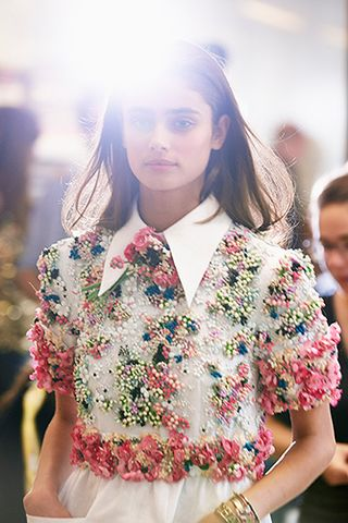 BACKSTAGE. Spring-Summer 2015 Ready-to-Wear show. Photos by Benoit Peverelli