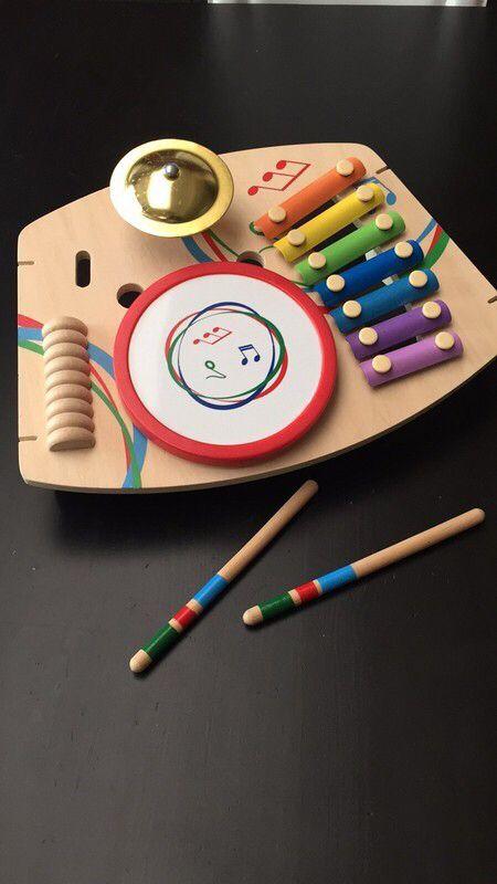 Xylophone bois et tambour   ! Taille 1 an  à seulement 2.00 €. Par ici : http://www.vinted.fr/mode-enfants/jouets-en-bois/30561530-xylophone-bois-et-tambour.