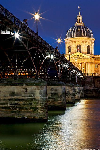 Palais de l'Institut et Pont des Arts - Paris