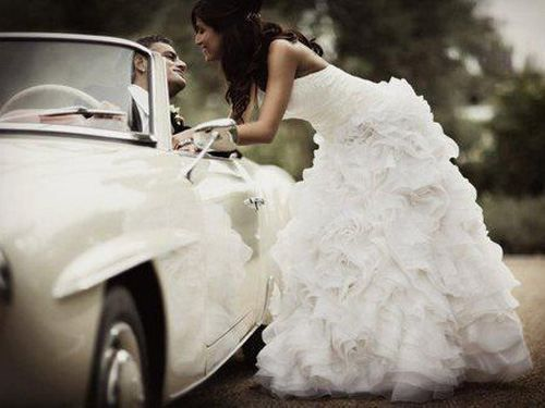 White car, white dress