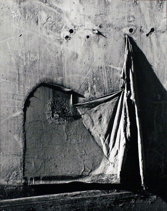 Aaron Siskind, Chicago 17, 1960, gelatin silver print