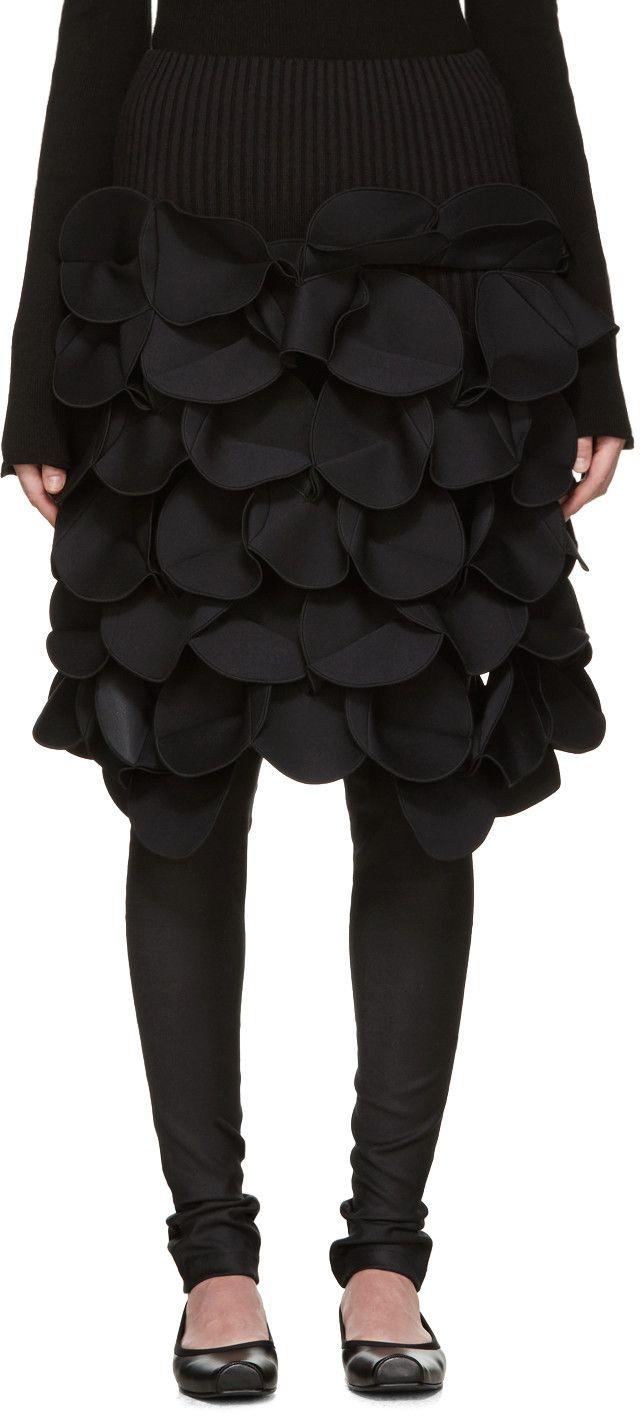 JUNYA WATANABE Black Scuptural Skirt. #junyawatanabe #cloth #skirt