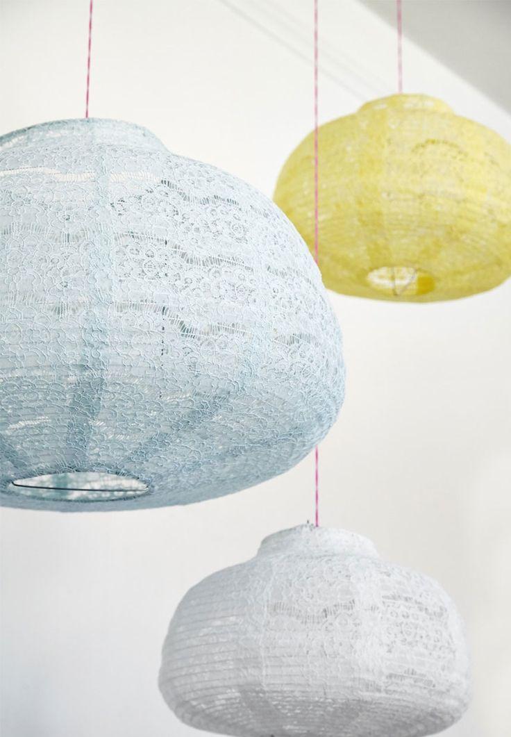 Loftslampe til Alberte - Stofpendler med blonder