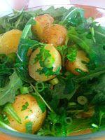 Charlottes Madblog: Små kartofler m/rucolasalat