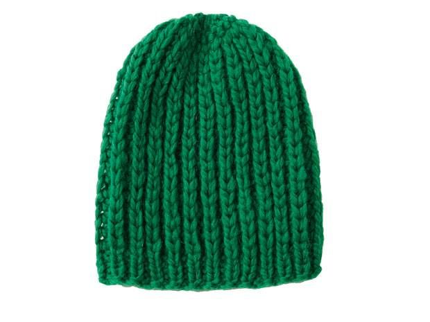 Patenter Kopfschmuck - und ein Geschenk, das in allen Farben richtig gut ankommt. Die Mütze im Patentmuster stricken wir gleich in mehreren Farben.