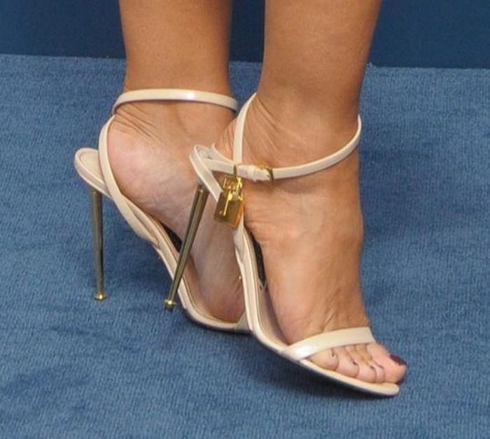 (67.15$)  Buy here  - Nuova moda in pelle dorata cinturino alla caviglia sandalo tacco alto sexy open toe donna scarpe tacco alto 2017 gladiator sanda