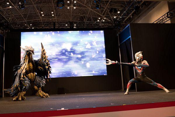 「光の力、おかりします!」最新ヒーロー『ウルトラマンオーブ』初お披露目!