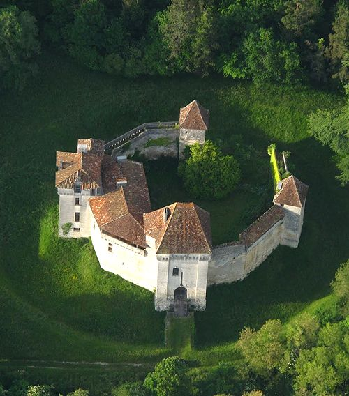 Château de Caussade Trélissac, Périgueux, Dordogne, Aquitaine, France.... http://www.castlesandmanorhouses.com/photos.htm .... The Château de Caussade is a small polygonal fortress surrounded by a moat, located in the vallée de l'Isle, in the forêt de Lanmary. It held great strategic importance in the twelfth century. From the Twelfth to the Fourteenth century it was the property of VIigier family, a daughter of the family became the wife of the famous troubadour, Bertran de Born.