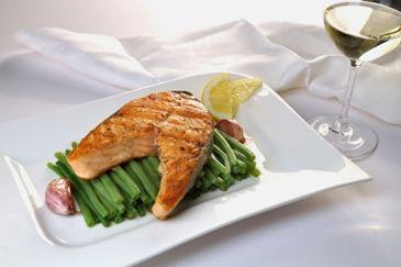 Gegrilde vis met appelglazuur #recept http://www.gezondheidsnet.nl/wat-eten-we-vandaag/recepten/11876/gegrilde-vis-met-appelglazuur