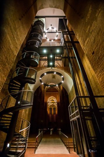 Aufgang und Fahrstuhl zur Aussichtsplattform der Georgenkirche, Wismar
