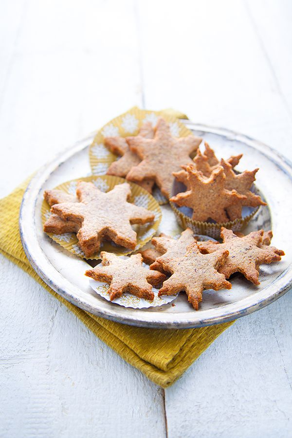 biscuits-de-noel-noisette-cannelle
