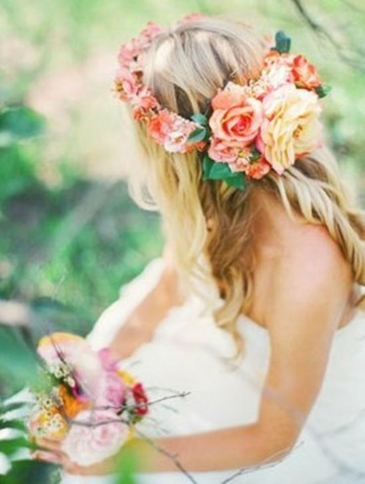 Lovely floral crown #wedding #hair #accessories
