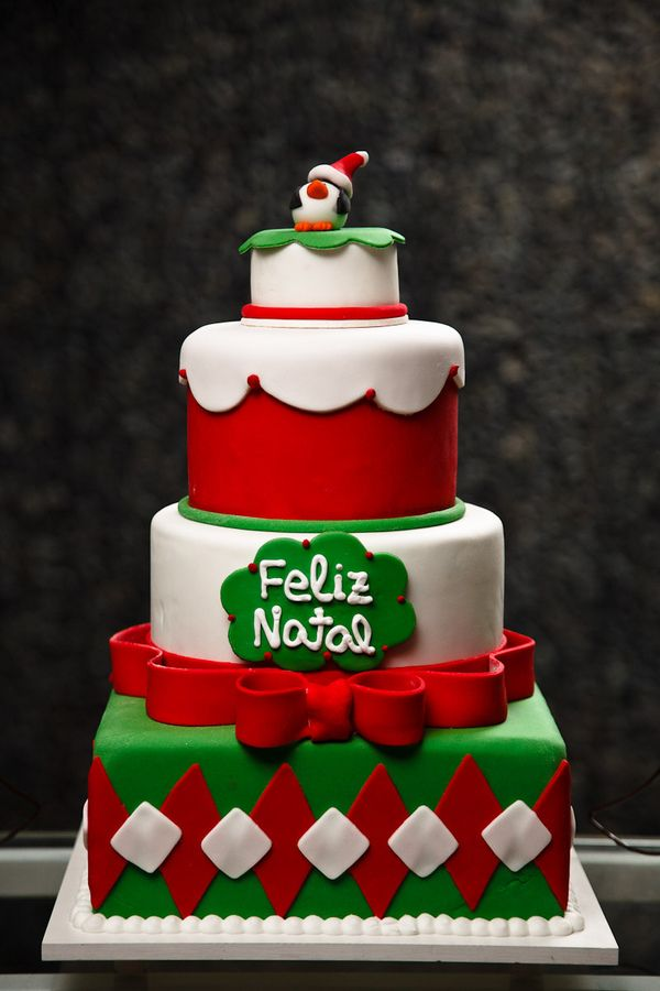 Christmas Wishes Cake Images : 1890 best images about Christmas - Cakes on Pinterest ...