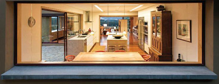 - Un mirador de 4 pisos-  Esta casa en las afueras de Bogotá se compone a partir de la ventana que, en este proyecto, es más que un vano en la fachada.