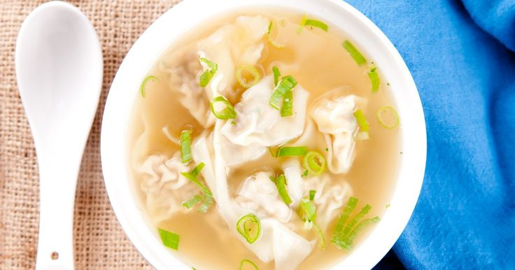Procurez-vous du porc haché et des pâtes à won ton, car aujourd'hui, on cuisine la soupe
