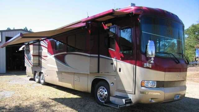 2006 Used Monaco Executive 40 Class A in Texas TX.Recreational Vehicle, rv, 2006 Monaco Executive 40 40, 2006 Monaco Executive Rainer 40, 525 ISX, Quad Slide, 58,745 miles, Cummins ISX 525hp, Allison 4000 6-Speed Transmission, Aqua Hot Heating system, Auto Air Leveling sys, MCD Shades all windows, Color Rear Vision with Side Cameras, Power Cord Reels elect- water, Solar Battery Charger, 10kW Onan QD Generator, (2) 15,000 BTU A/C's with heat pumps, Keyless Entry with remote, Girard Auto Patio…