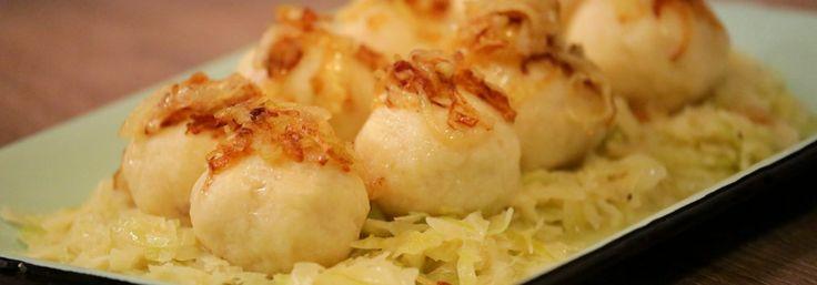 zemiakové guľky s údeným mäsom na  kapuste /  dám kyslú/