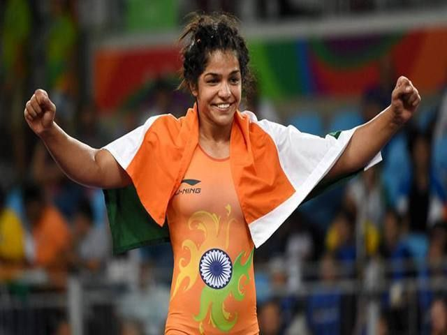 Commonwealth Games 2018: Sakshi Malik, Vinesh Phogat named in India's squad- http://www.sportscrunch.in/commonwealth-games-2018-sakshi-malik-vinesh-phogat-named-indias-squad/  #CommonwealthGames2018, #SakshiMalik, #VineshPhogat  #Wrestling