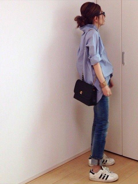 青ストライプシャツ