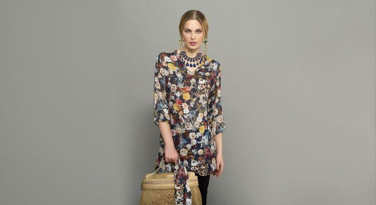 Mini-vestido escote túnica con foulard a juego, pantalón leggin de punto de lana lavable. #Naulover #Moda #ModaMujer #Fashion