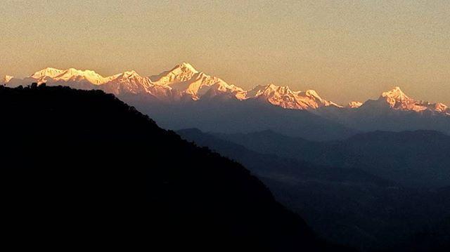 """Kanchenjunga #hills #Lumia630 #northbengal #creativeimagemagazine #lonelyplanetindia #indiaphotoproject #lonelyplanet #natgeotravelpic #dailyphoto #myfeatureshoot #indiatravel #travel #travelgram #traveldiary #hikaricreative #hartcollective #apfmagazine #_soi #_coi #storiesofindia #1415mobilephotographers #everydayindia #inspiroindia #SombreSociety #visualarchitects #featuregram #Darjeeling #lava"" by @masumondal. #fslc #followshoutoutlikecomment #TagsForLikesFSLC #TagsForLikesApp #follow…"