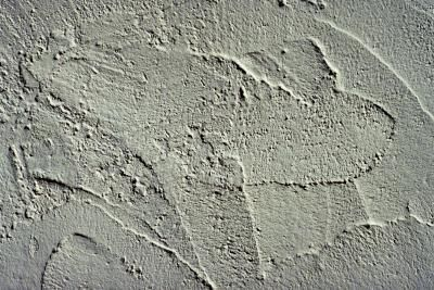 Create the look of antique plaster with a faux-painting technique.