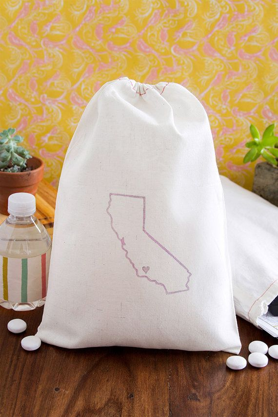 These would be super cute for the welcome bags! Home State Wedding Welcome Bags - State Out of Town Guest Bags - CUSTOM QUANTITY
