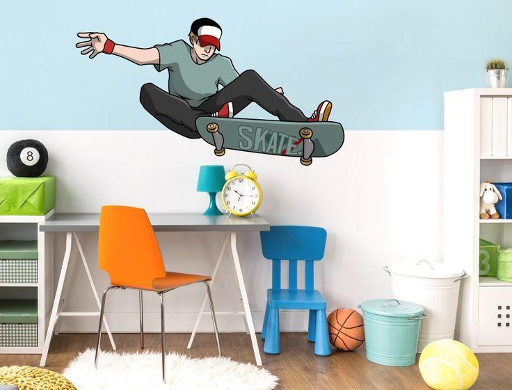 jugendzimmer wandsticker skateboard junge in cooler sprung pose buntes skater motiv zum kleben skate jugendlichejungsmotiveskateboardschlafzimmer - Skateboard Regal Kinder Schlafzimmer