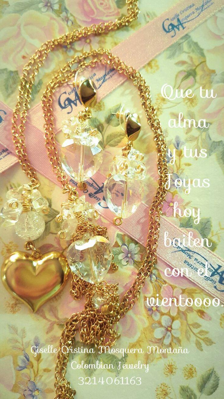 Gargantilla, Collar, aretes enchape en oro. Dijes en corazon de cristal y metal.... corazones exquisitos de palpitaciones