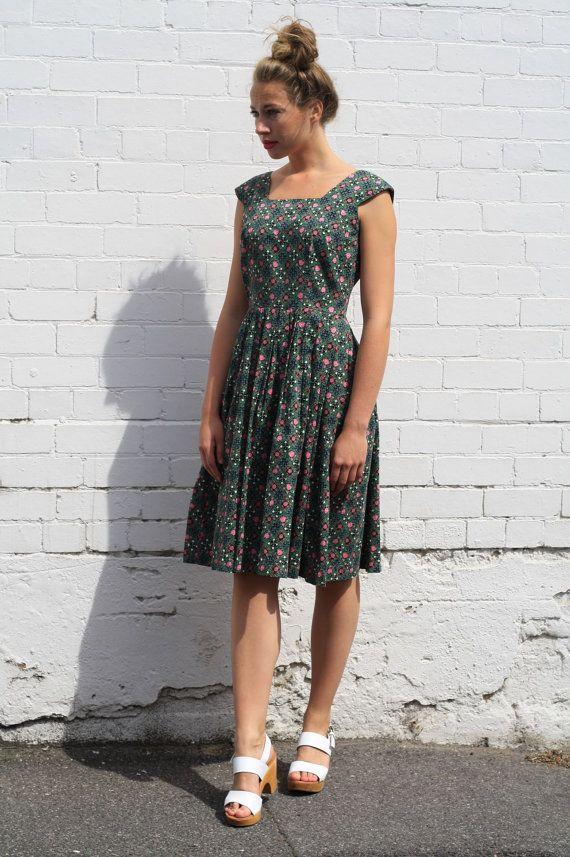 Vintage 1950s Floral Dress / Elinor Gay Original / Full Skirt / Cotton Dress / M