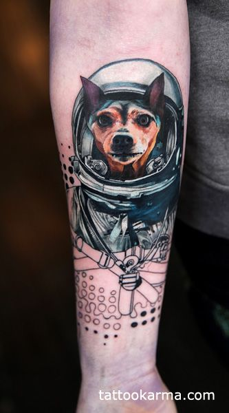23 best images about tattoo on pinterest wolves astronaut tattoo and time piece tattoo. Black Bedroom Furniture Sets. Home Design Ideas