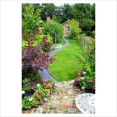 17 best narrow backyard ideas on pinterest wood planter for Small long garden ideas